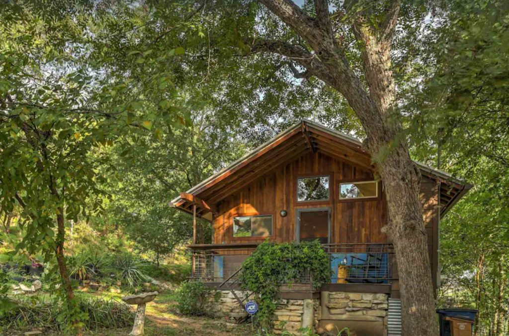 Looking for where to stay in Austin? Then check out this Chic Studio Bungalow in Trendy East Austin
