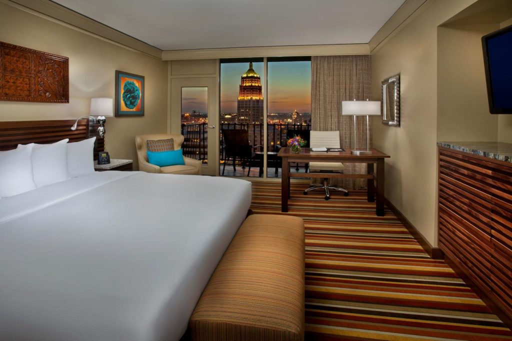 Looking for where to stay in san Antonio? Then check out Hilton Palacio del Rio