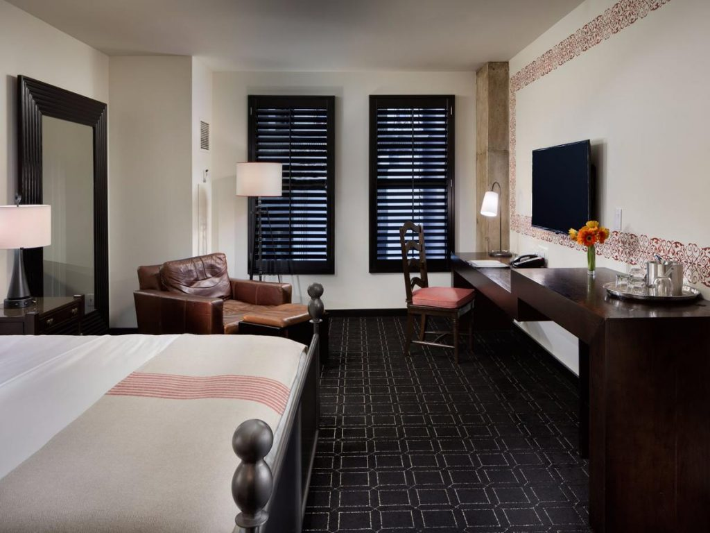 Looking for where to stay in san Antonio? Then check out Hotel Valencia Riverwalk