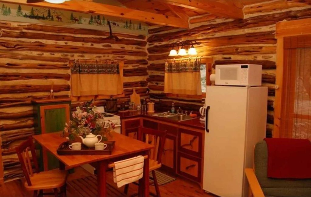 This near Canyon Lake is one of the best cabins with Hot Tubs in Texas