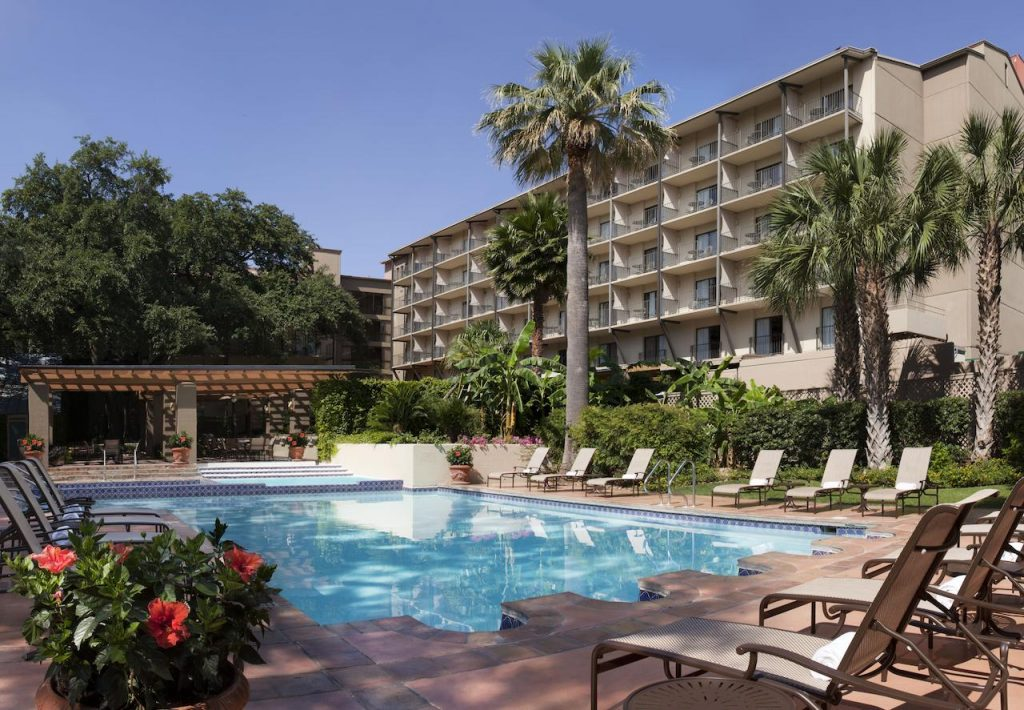 Looking for where to stay in san Antonio? Then check out Marriot Plaza San Antonio