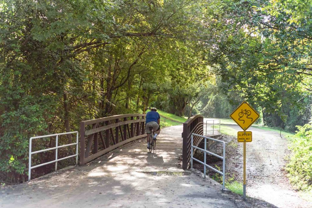 Quail Trail via Blue Jay Trail is one offers incredible hiking in Houston