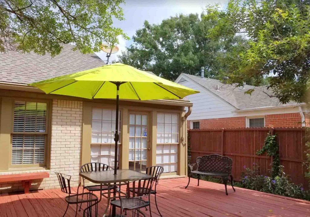This Charming Bungalow Centrally Located  in Lower Greenville is one of the best vrbo in Dallas