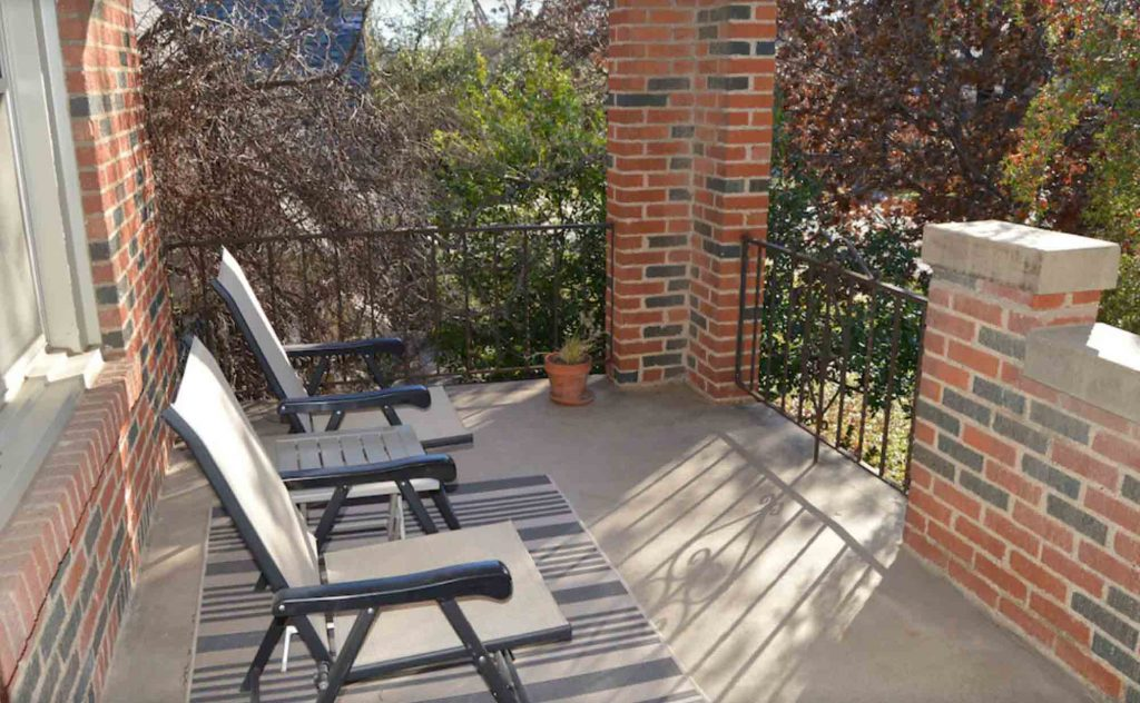 This Quaint Duplex in Lower Greenville Avenue Area is one of the best vrbo in Dallas