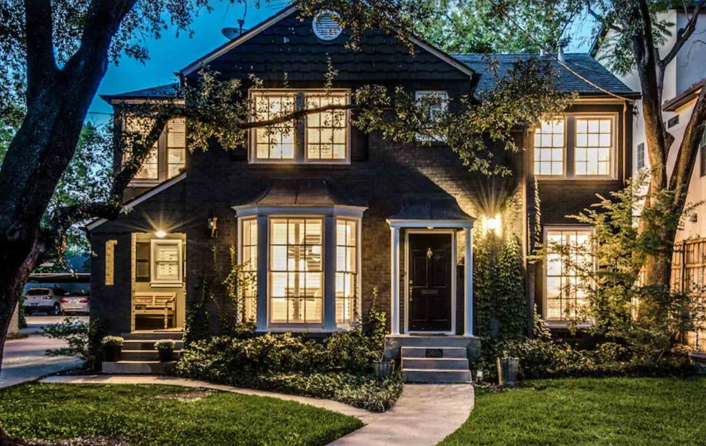 This Quiet Luxury Townhome in Walkable Location is one of the best vrbo in Dallas