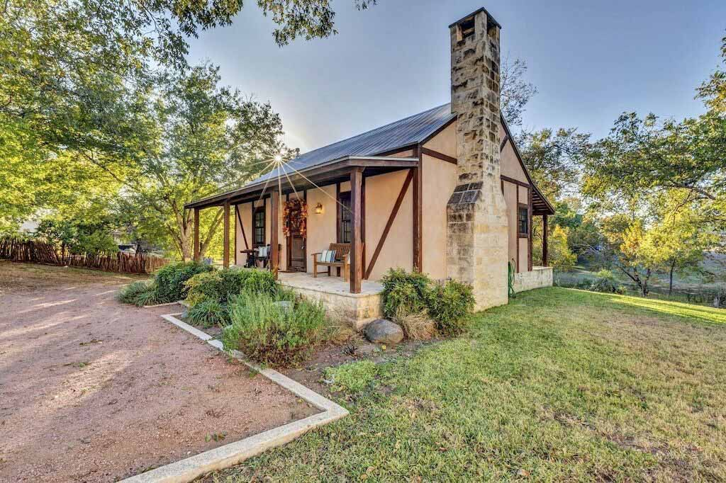 VRBO and Airbnb in Fredericksburg, Tx