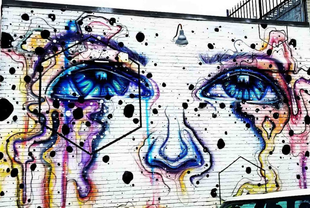 This Eyes mural is one of the best Dallas murals to visit