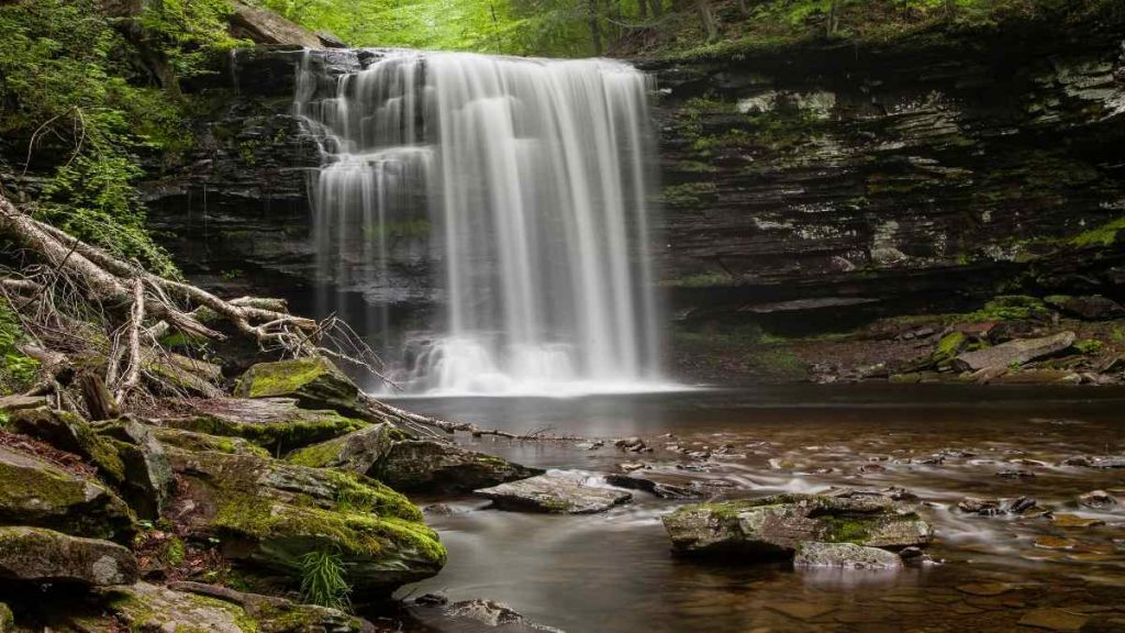 Pocono Mountains, Pennsylvania is one of the best fall vacations in the USA
