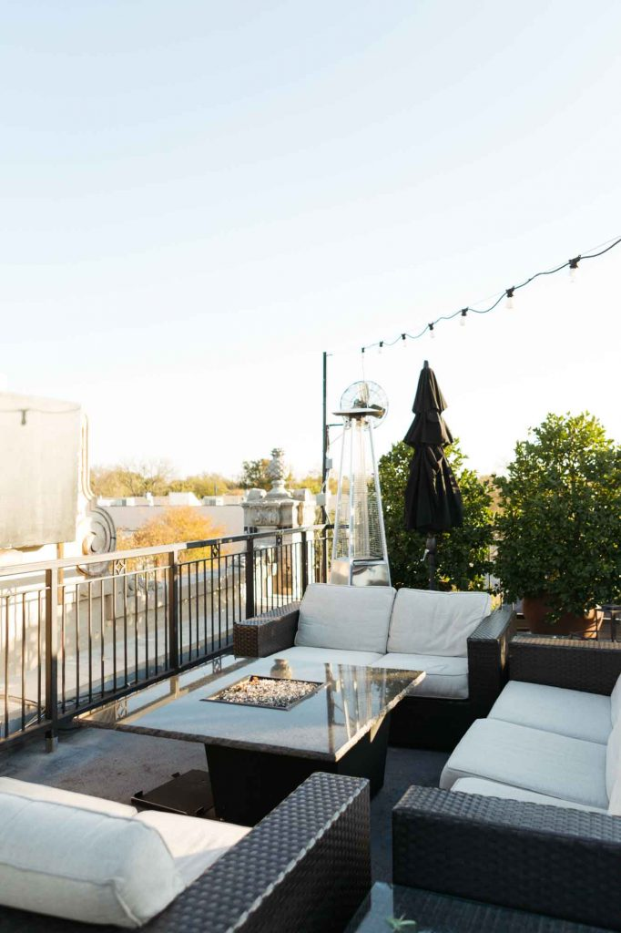 Having dinner at a beautiful Rooftop restaurant is one of the best things to do in Dallas