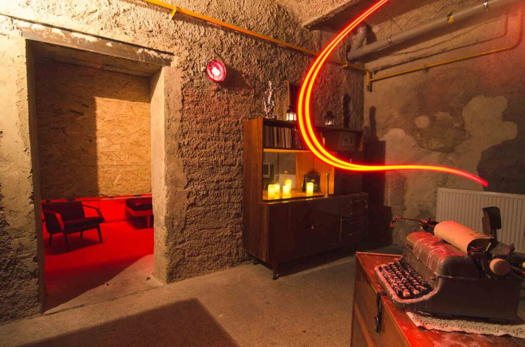 Doing an Escape Room is one of the romantic things to do in Boston